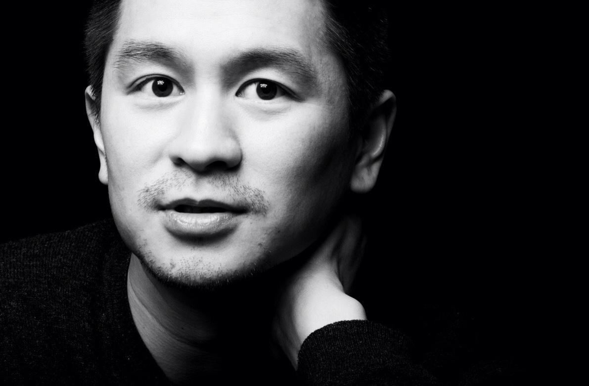 Portrait in schwarz-weiß von Architekt Van Bo Le-Mentzel